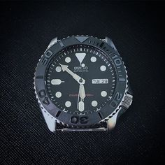 Few pieces of prototype YM ceramic insert available for skx007 Pm or email me for more info dlw.watches@gmail.com  #seiko #seikomod #skx007 #skx009 #bezel #ceramicbezel #seikodiver #seikowatch #diverwatch #watchuseek #instawatch #dailywatch #watchporn #watchfam #watches #watchnerd #watchshot #watchpic #rolex #sub #submariner #dlwwatches #dlw