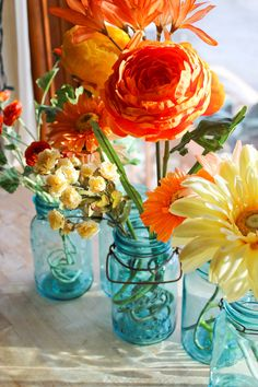 blue mason jars : vintage Ball quart - glass top 4