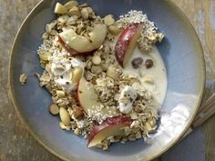 Amaranth-Oats Muesli with Nuts and Nectarine   Eat Smarter