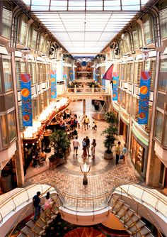 Royal Carribean Cruise, been on many of their cruises, so nice!! I've got to get onto this ship.