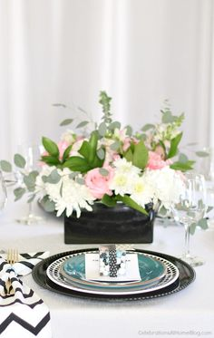 A modern table setting for girls night in will set the scene for fun and lively conversation. Get inspired here!
