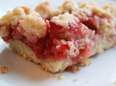 Kelli Wong Photography: Strawberry Crumb Bars
