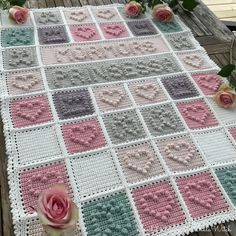 "Bobble stitch baby blanket by BautaWitch. The text says in Swedish ""Grannys Princess""."