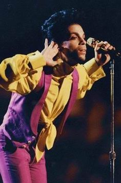 Prince & The New Power Generation - The Metrodome Minneapolis July 19. 1991 Special Olympics! Songs performed - 1.Diamonds & Pearls 2.Baby, I'm A Star/Peter Gunn Theme 3.Push