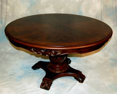 Quality Antique 1910 Quarter Sawn Oak 54 Round Dining Table w