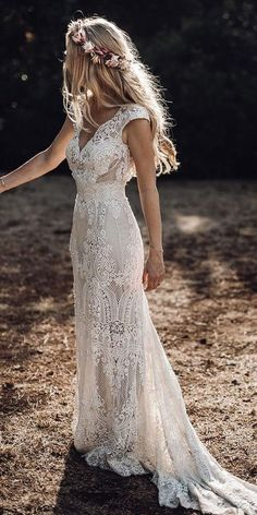20 Unconventional Wedding Dress Ideas You Will LOVE! - Robin Herrdin 20 Unconventional Wedding Dress Ideas You Will LOVE! 20 Unconventional Wedding Dress Ideas You Will LOVE!, Wedding Dress Ideas Are Vintage Inspired Wedding Dresses, Rustic Wedding Dresses, Hippie Wedding Dresses, Wedding Reception Dresses, Boho Lace Wedding Dress, Wedding Vintage, Wedding Skirt, Wedding Dresses On Sale, Autumn Wedding Dresses
