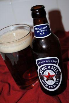Cerveja Newcastle Winter IPA, estilo India Pale Ale (IPA), produzida por The Caledonian Brewery, Inglaterra. 5.2% ABV de álcool.