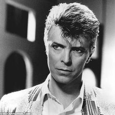 but I sort of think supremely coked-up post-Thin-White-Duke pre-Berlin Bowie would be even better. Drama and paranoia built in! David Bowie, Glam Rock, David Jones, The Thin White Duke, Black And White, Black Star, Ziggy Played Guitar, Major Tom, Lets Dance