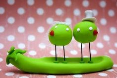 2 peas in a pod! Love this cake topper