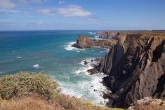 Itinéraire et bons plans pour un road-trip en famille en Algarve. Entre plages paradisiaques et culture, le sud Portugal est un de nos coups de coeur.