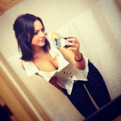 Sexy TwitPics: Elizabeth Gillies - Hollywood Gossip | MovieHotties.com