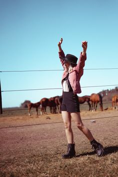 sesiones de fotos Running, Sports, Funny Pics, Horses, Fotografia, Racing, Keep Running, Sport, Track