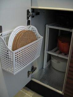 【キッチン】扉裏の収納に : 『100円ショップ』でいいんです!格安収納テクニック - NAVER まとめ