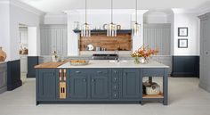34 Luxury Farmhouse Kitchen Design Ideas To Bring Modern Look - Trendehouse Kitchen Ikea, Solid Wood Kitchen Cabinets, Solid Wood Kitchens, Kitchen Paint, New Kitchen, Kitchen Decor, Blue Cabinets, Kitchen Island, Loft Kitchen