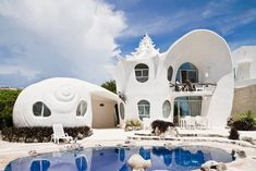 The Seashell House in Mexico is Inspiring and Mermaid-Themed #pools trendhunter.com