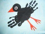 bird art projects for kids toddlers Kids Crafts, Daycare Crafts, Toddler Crafts, Fall Crafts, Halloween Crafts, Toddler Art, Footprint Art, Handprint Art, Bird Theme
