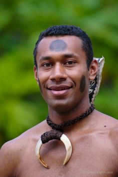Fijian man Vito Qaqa in traditional warrior outfit We Are The World, People Around The World, Beautiful Men, Beautiful People, Polynesian Cultural Center, Warrior Outfit, Beauty Around The World, Thinking Day, World Cultures