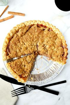 Dutch Apple Pie Recipe - This is an easy homemade recipe for Dutch apple pie with a crumble topping made with oats, brown sugar, butter and olive oil. So good! #applepie #appledessert #pierecipe #dessert | pickledplum.com Cold Desserts, Apple Desserts, Delicious Desserts, Easy Homemade Recipes, Easy Asian Recipes, Thanksgiving Dinner Recipes, Christmas Recipes, Apple Pie Recipes, Plum Recipes
