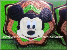 Crochet de Micky et housses de coussin de Minnie - fabriqués sur commande vente de 40 % sur le Prix Normal