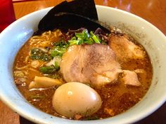 There is a growing hype about ramen in big cities like New York, London, Paris or Sydney, but ramen is not necessarily as famous as sushi, tempura or sukiyaki. We know quite a few major Hollywood movies where actors eat out at sassy sushi restaurants, but do you recall any movie involving ramen?