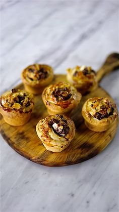 Substitute For Egg, Milk And Cheese, Cupcakes, Candy Recipes, Muffin, Food And Drink, Veggies, Toque, Sweets