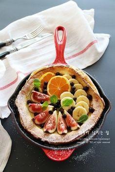 Food Styling, Acai Bowl, Serving Bowls, Waffles, Stuffed Mushrooms, Salad, Baking, Breakfast, Tableware