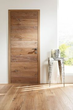 Benefits that you could derive by using the interior wood doors for your home or office. Modern Wood Doors, Wood Entry Doors, Wood Exterior Door, Wooden Front Doors, Custom Interior Doors, Door Design Interior, Interior Barn Doors, Modern Interior, Wooden Main Door Design