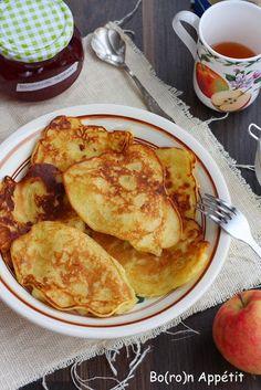 Blog Bo(ro)n Appétit: Placuszki z jabłkami - przepis Polish Food, Polish Recipes, Pancakes, French Toast, Dishes, Breakfast, Blog, Morning Coffee, Polish Food Recipes