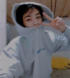 Minhyuk, Jinyoung, Suho, Cha Eunwoo Astro, Astro Wallpaper, Lee Dong Min, Lee Soo, Cute Anime Pics, Ulzzang Boy