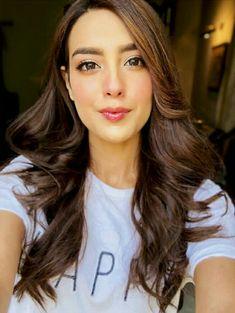 Afshii majid Celebrity Makeup Looks, Celebrity Style, Sajal Ali Wedding, Easy Hairstyles, Wedding Hairstyles, Iqra Aziz, Pakistan Wedding, Pakistan Fashion, Pakistani Actress