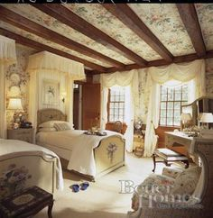 Elegant English country living room ideas for your home. English cottage interior design suggestions and inspiration. English Cottage Interiors, English Cottage Style, English Country Decor, French Country Bedrooms, French Country Decorating, English Style, English Cottages, Country Farmhouse, French Farmhouse
