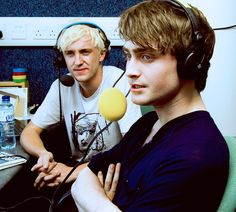 ImageFind images and videos about harry potter, daniel radcliffe and draco malfoy on We Heart It - the app to get lost in what you love. Harry Potter Actors, Harry Potter Draco Malfoy, Harry Potter Love, Ron Weasley, Hermione Granger, Slytherin, Hogwarts, Daniel Radcliffe, Sirius Black
