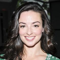"""""""Outlander"""" won't be back until April, but when it returns, fans can look forward to seeing more of Jenny Fraser, played by actress Laura Donnelly. Outlander Characters, Outlander Book Series, Outlander Casting, Outlander 3, Gabaldon Outlander, Diana Gabaldon, Laura Donnelly, Richard Rankin, Jamie And Claire"""