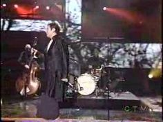 K. D. Lang sings Helpless standing in for Neil Young who was recovering in the hospital.  Juno awards 2005.  Please enjoy.