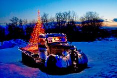 Trucks of all sizes lit up with Christmas Lights! - 80 Trucks Decorated for Christmas Eclectic Christmas Ornaments, Christmas Car Decorations, Christmas Lights, Christmas Swags, Christmas Truck, Christmas Scenes, Retro Christmas, Country Christmas, Christmas Cards