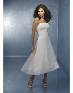 Classic Ruched Bodice Wedding Dress/ Elegant Sheath Wedding Gown with Beaded Applique/ Strapless Tea Length Satin Organza Lace Beading Bridal Gowns Under 100