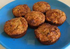 Baka nyttiga muffins med morotter och äpple - perfekt till frukost eller mellanmål!