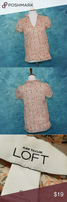 Ann Taylor LOFT 100% cotton blouse Ann Taylor LOFT 100% cotton blouse. Floral. Small. Excellent condition. So crisp and cool for Spring and Summer style. LOFT Tops Blouses