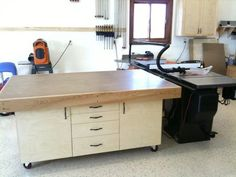 Really nice Assembly table. Every Man should have one of these. Workbench Designs, Workbench Plans, Woodworking Workbench, Woodworking Workshop, Woodworking Projects, Wood Projects, Workshop Storage, Garage Workshop, Workshop Ideas