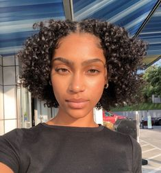 Cute curly hairstyles wigs for black women lace front wigs human hair wigs buy now - Best Frisuren ideen Quick Weave Hairstyles, Cute Curly Hairstyles, Wig Hairstyles, Short Natural Curly Hairstyles, Short Natural Hair, Natural Curls, Latest Hairstyles, Mixed Curly Hair, Short Curly Hair