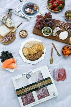 need an affordable date night idea?? how about a sunset picnic with lots of…