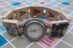 Many of you know that I taught my 13 year old daughter to make scrabble tile pendants last year to sell at the farmer's market and craft fai. Scrabble Board Game, Domino Jewelry, Domino Art, Diy Jewelry Inspiration, Found Art, Scrabble Tiles, Game Pieces, Making Ideas, Jewelry Making