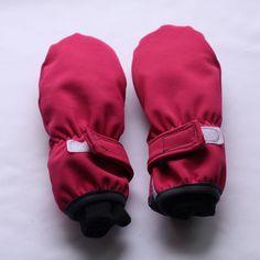 Prodloužené softshellové rukavice (fotonávod + střih) Fabric Stamping, Softshell, Baby Sewing, Gloves, Backpacks, Blog, Kids, Inspiration, Babies