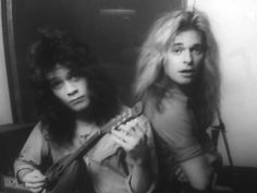 Eddie Van Halen & David Lee Roth The looks on their faces is soooo funny to me! Especially David. Eddy Van Halen, Alex Van Halen, Vince Neil, David Lee Roth, Glam Metal, Music Icon, Music Music, Hard Rock, Rock Bands