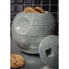 Die dunkle Seite hat immer Kekse :) Come to the dark side - we have cookies. ;)