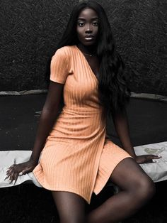 Afrocentric Afropunk Black beauty Photos What Is Afrofuturism Art Culture Music and Books defined and explored Beautiful Dark Skinned Women, Beautiful Black Girl, Most Beautiful Women, African Beauty, African Women, Black Girl Magic, Black Girls, Afro, Dark Skin Girls