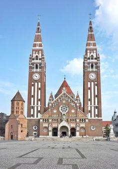 De prachtige grote kerk in Szeged, Hongarije.  http://www.hungariahuizen.nl/szeged/