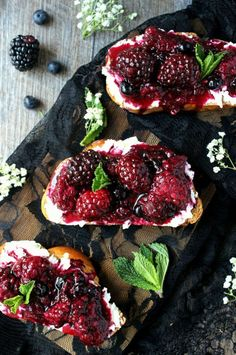 smashed blackberry and goat cheese toasts