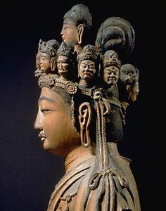 木造 白檀材 一木造 素地 彫眼 立像 像高42.8cm 奈良~平安時代 8~9世紀 奈良国立博物館