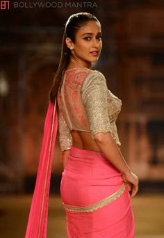 Indian film actress Ileana D'cruz walked the ramp for fashion designer Sulakshana at India Couture Week She looked stunning in pink p. Indian Attire, Indian Wear, Indian Outfits, Indian Beauty Saree, Indian Sarees, Lehenga, Ileana D'cruz Hot, Indian Couture, Saree Blouse Designs